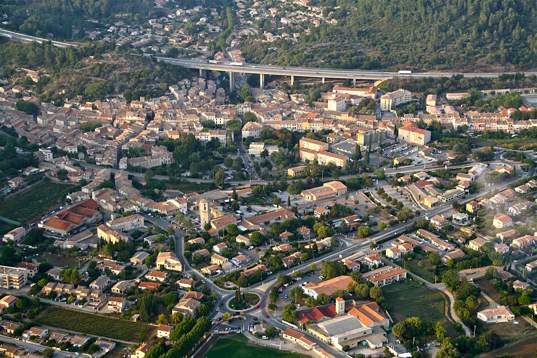 Pr sentation du luc en provence site officiel de la ville for Cash piscine le luc